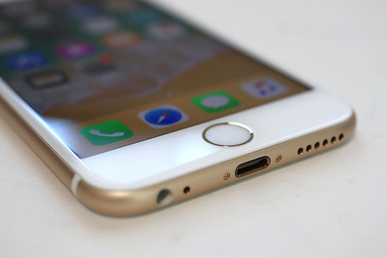 iPhone 6s ヘッドフォンジャック