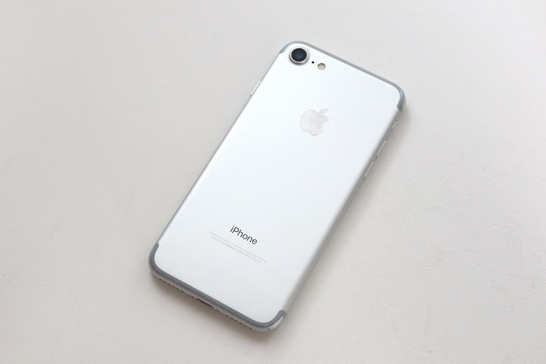 iPhone 7 背面パネル