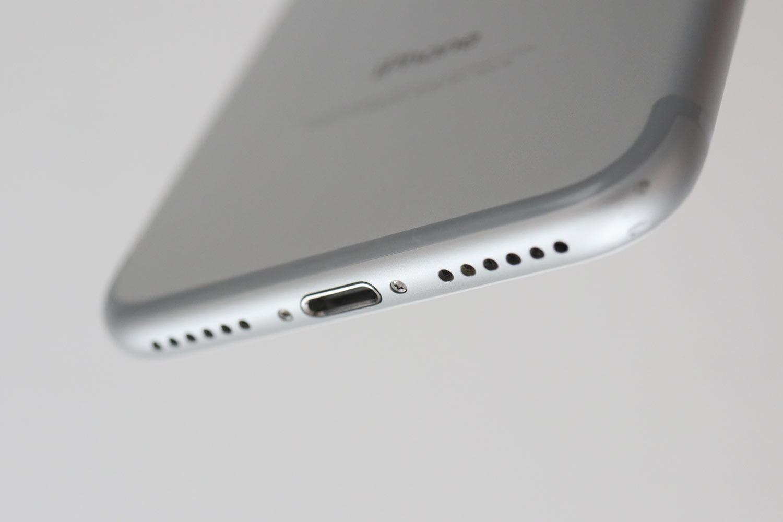 iPhone 7 下部デザイン
