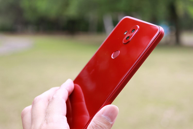 Zenfone 5Q レッドモデル